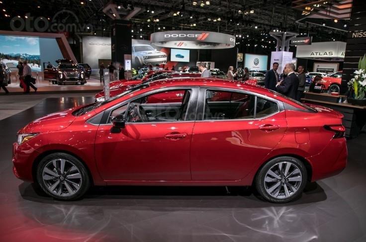 Thân xe Nissan Sunny 2020.