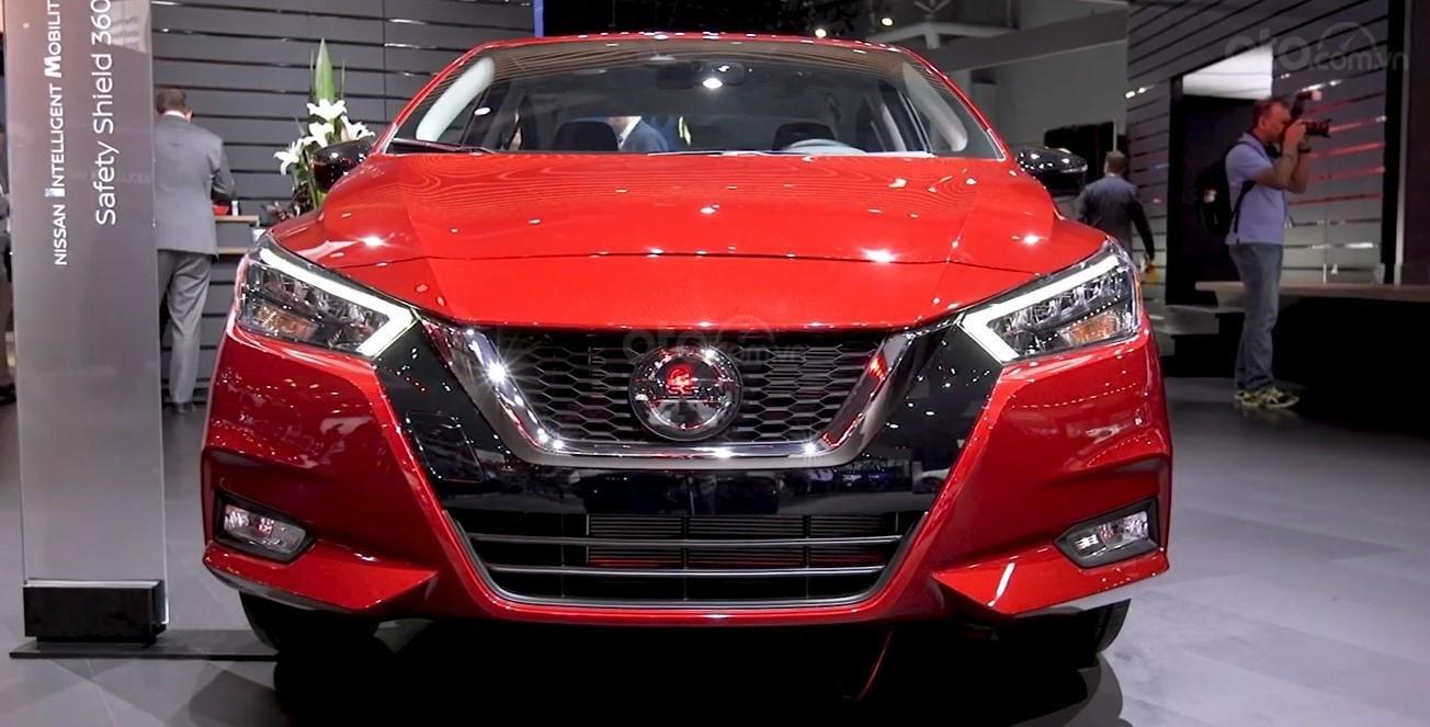 Đầu xe Nissan Sunny 2020