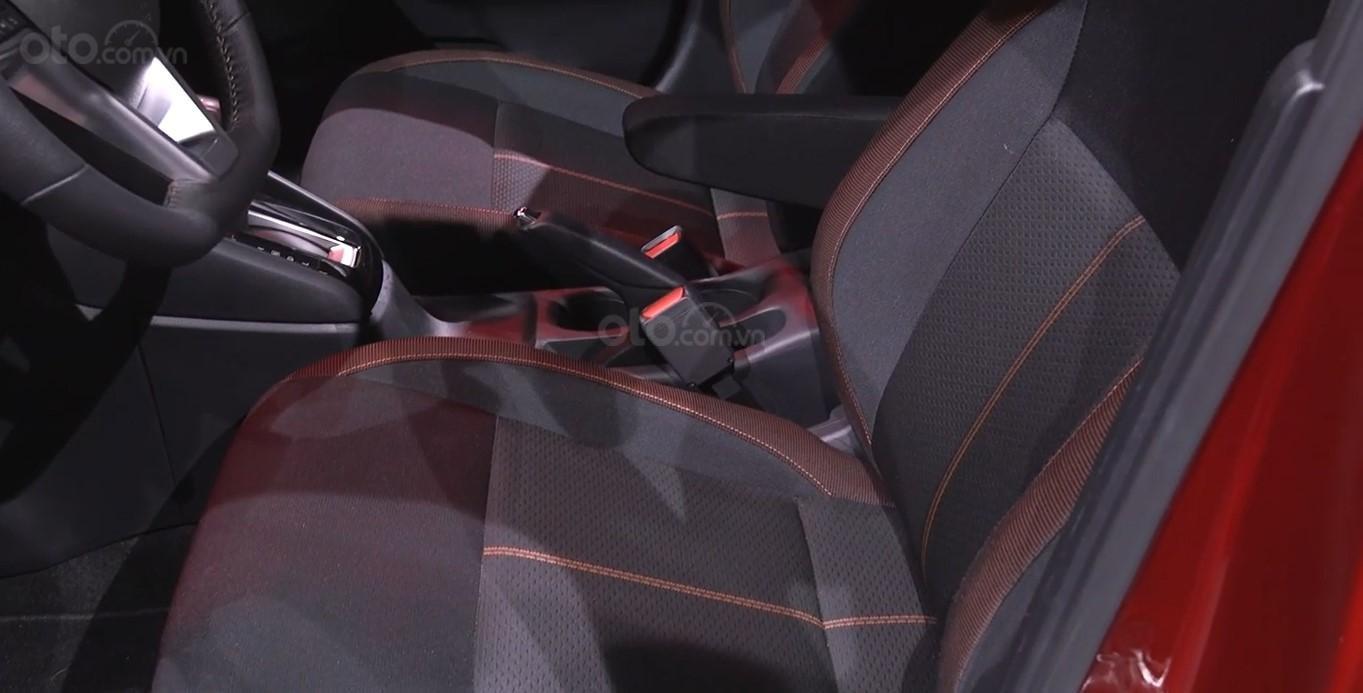 Đánh giá xe Nissan Sunny 2020 về ghế sau