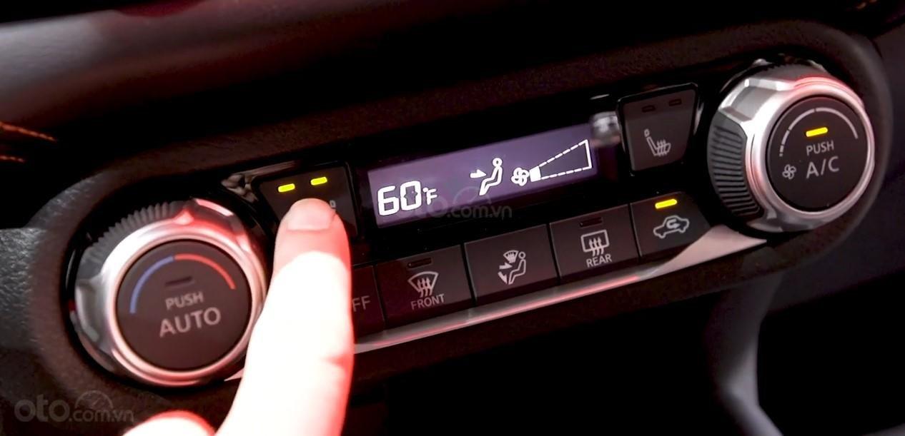 Cụm điều khiển điều hoà Nissan Sunny 2020