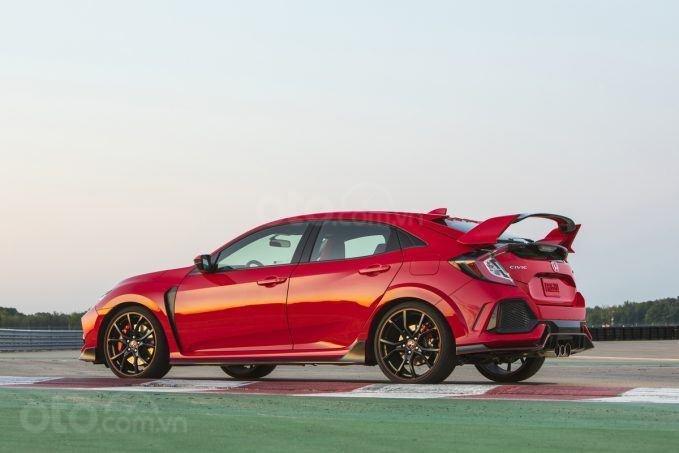 Top 10 mẫu xe xấu nhất năm 2019 - 2