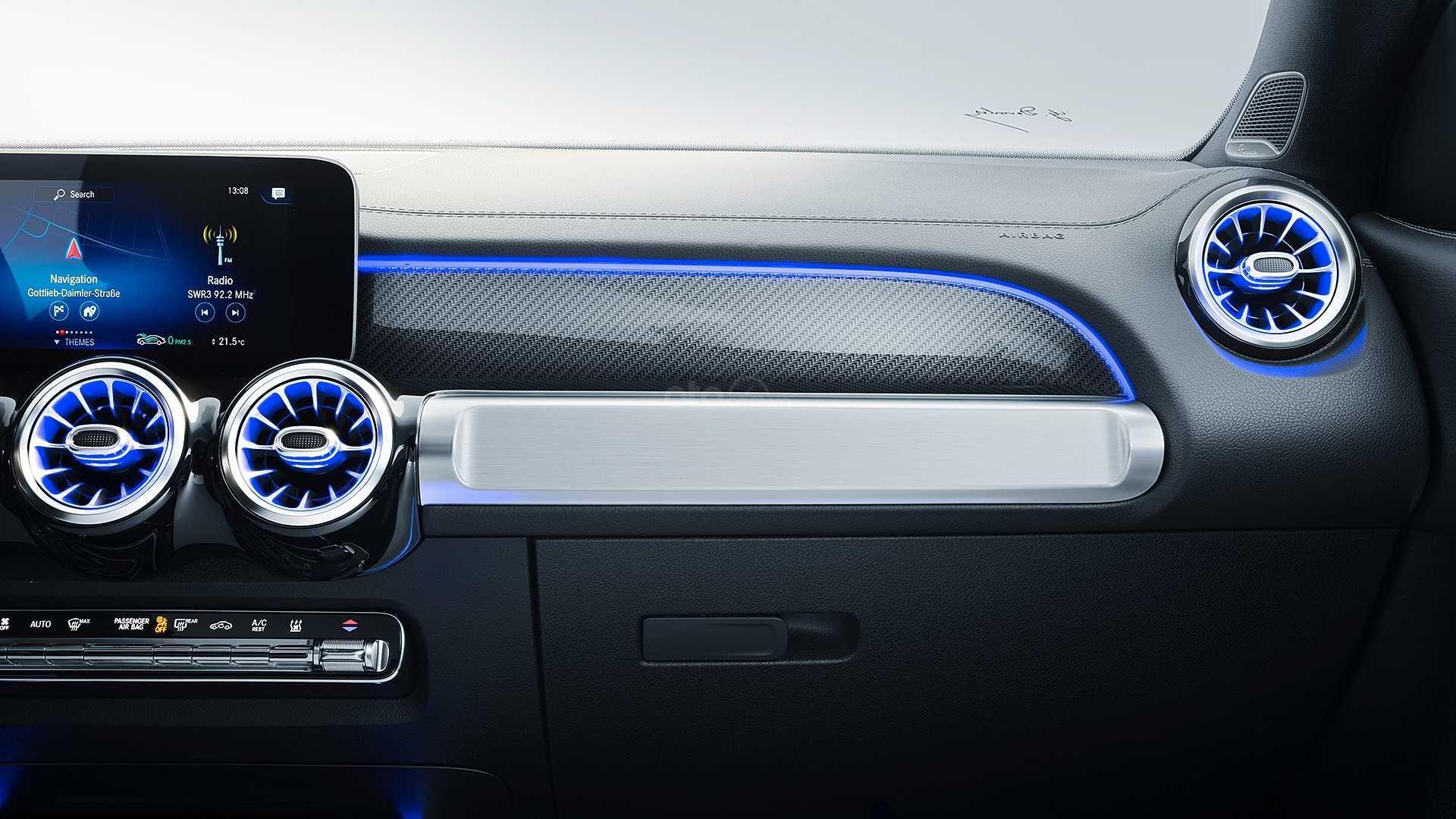 Bảng điều khiển trung tâm Mercedes-Benz GLB-Class 2020