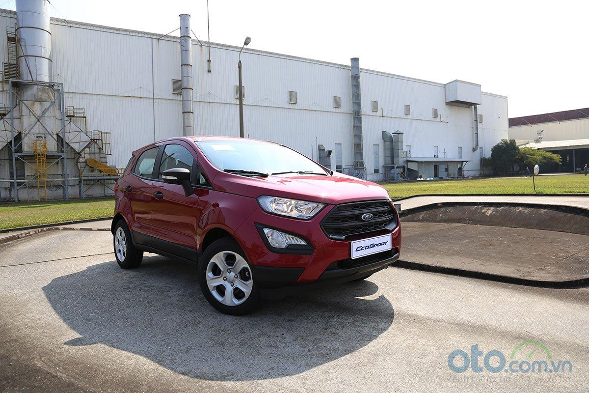 sản phẩm Roadside Assistance sẽ được tặng cho tất cả khách hàng mua xe mới 1.