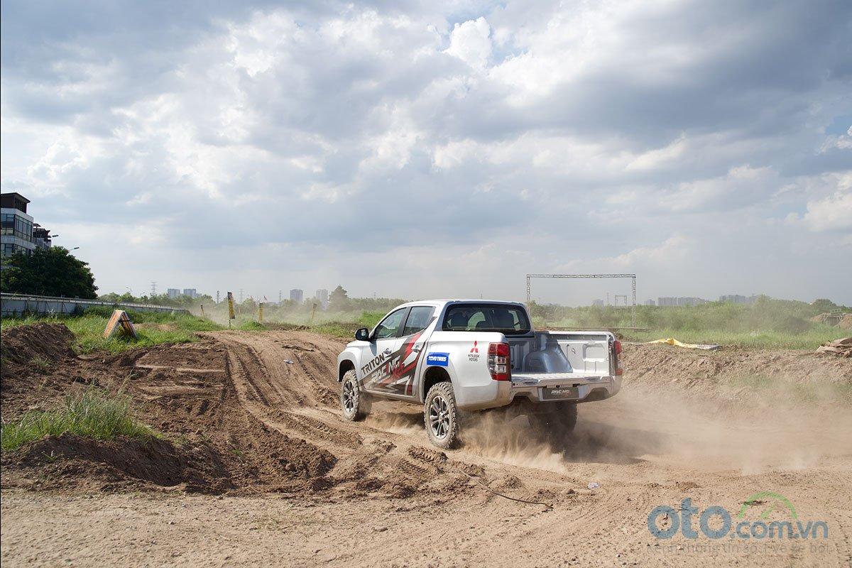 Mitsubishi Trion sẽ là những người bạn đồng hành cùng đội đua Racing AKA 1.