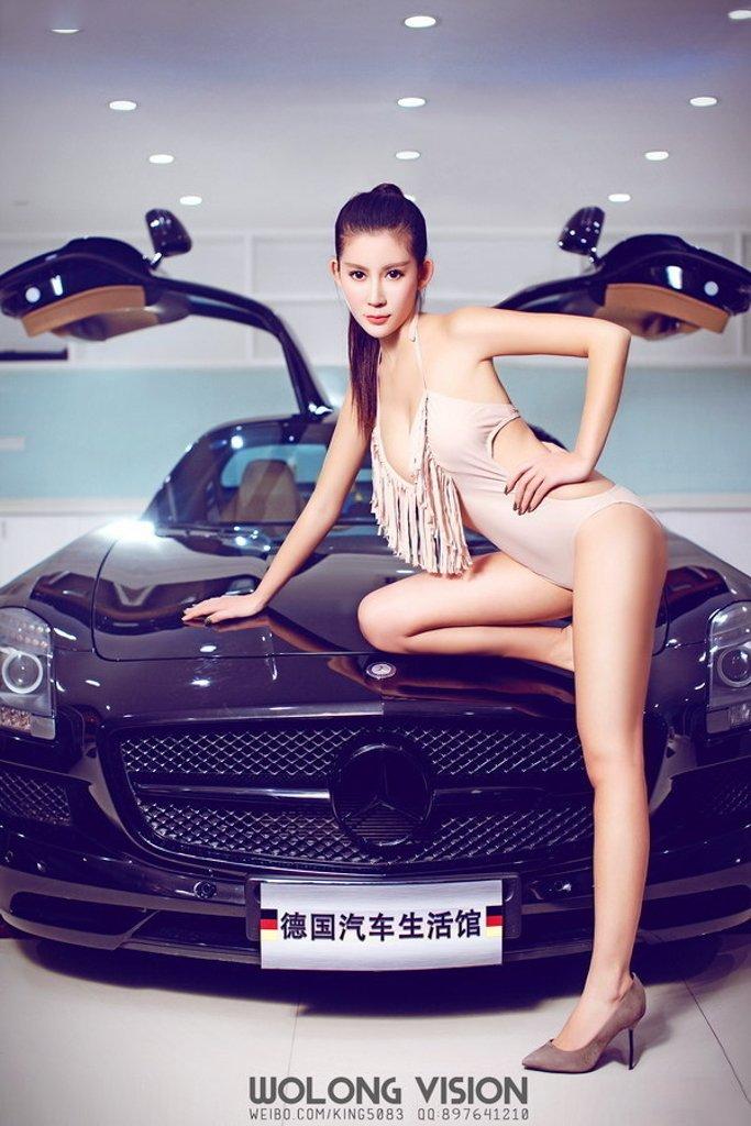 Bỏng mắt với người đẹp bên xe Mercedes-Benz SLS AMG - Ảnh a8