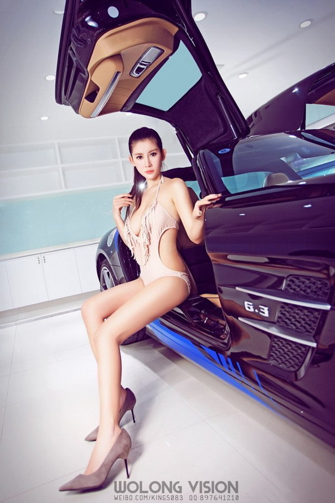 Bỏng mắt với người đẹp bên xe Mercedes-Benz SLS AMG - Ảnh a6