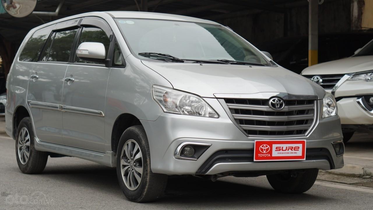 Bán ô tô Toyota Innova 2.0E năm sản xuất 2016, màu bạc (2)