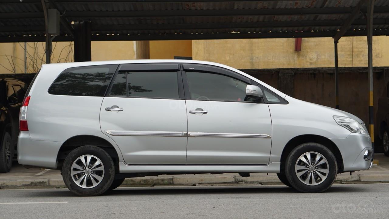Bán ô tô Toyota Innova 2.0E năm sản xuất 2016, màu bạc (3)