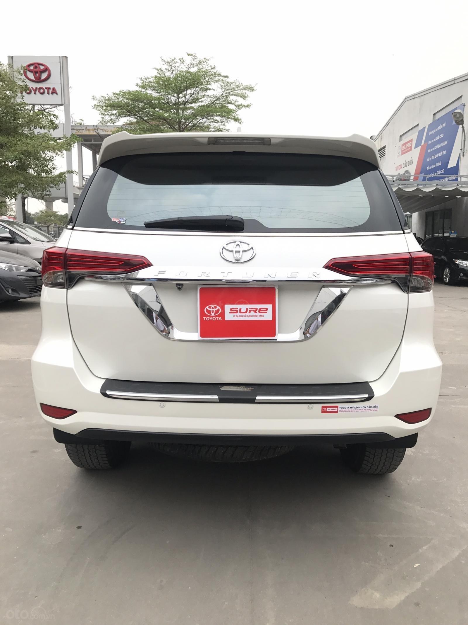 Bán Toyota Fortuner 2.7V (4x2) sản xuất năm 2017, màu trắng, xe nhập-4
