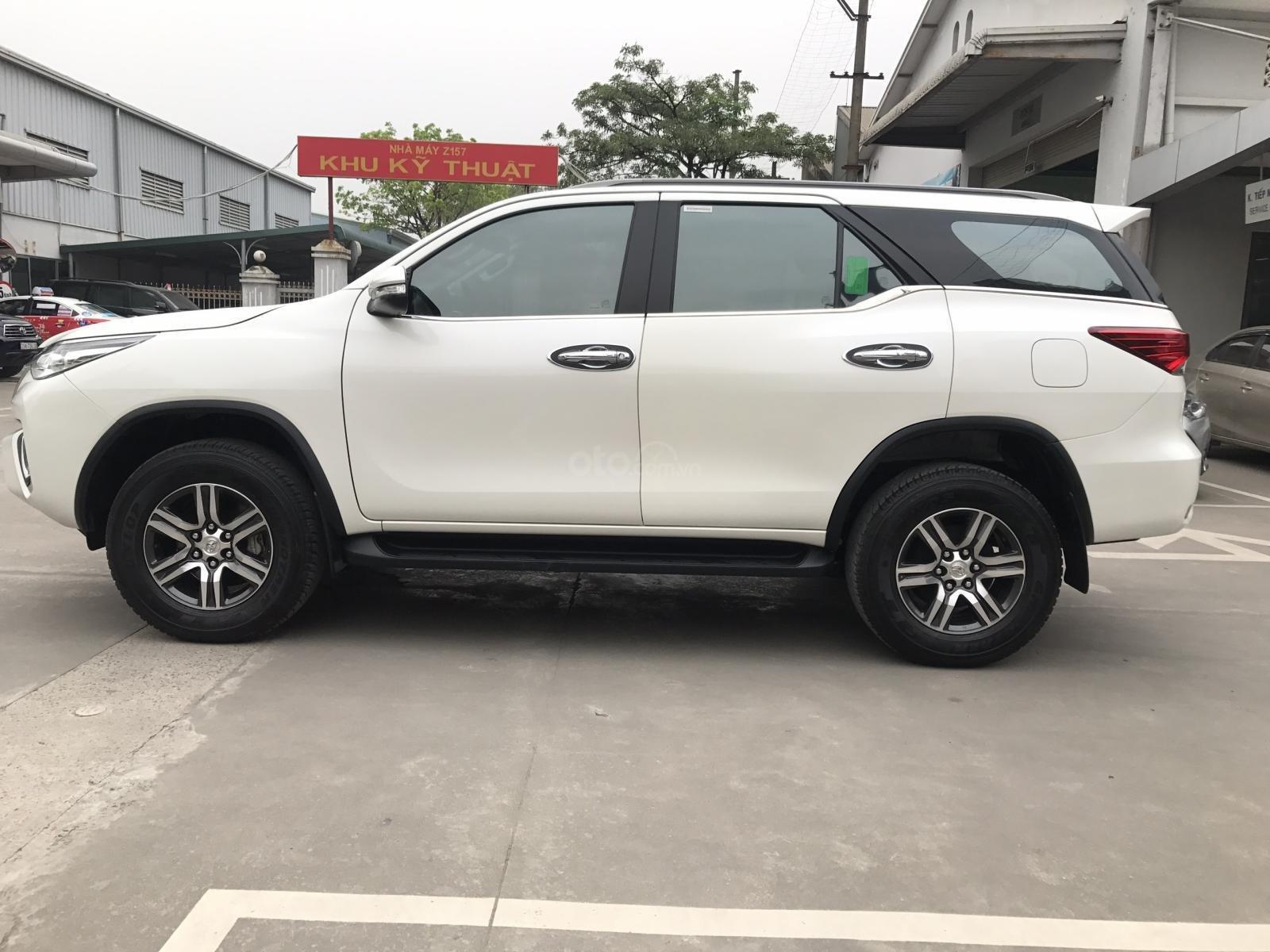 Bán Toyota Fortuner 2.7V (4x2) sản xuất năm 2017, màu trắng, xe nhập-6