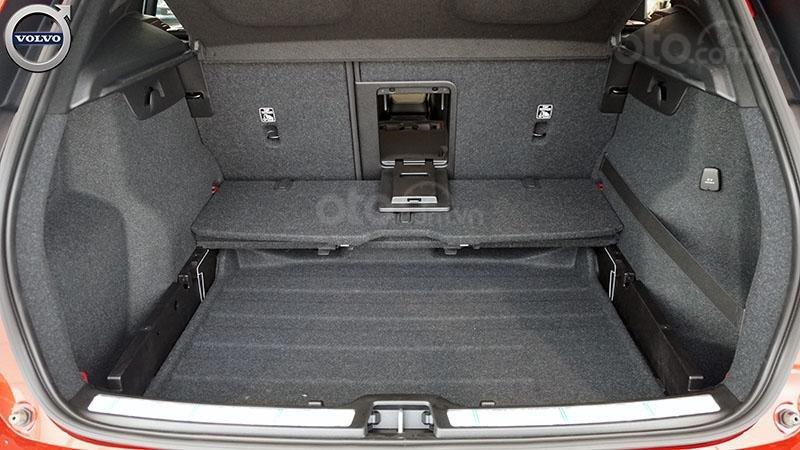 Volvo XC40 nhập khẩu chính hãng, nhiều màu, giao xe ngay-3