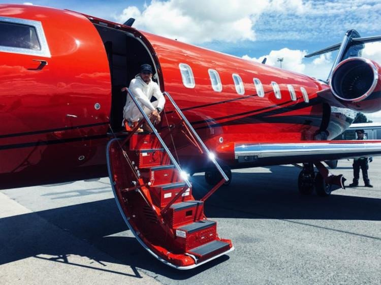 Tay đua F1 sở hữu bộ sưu tập từ siêu xe, máy bay 12a