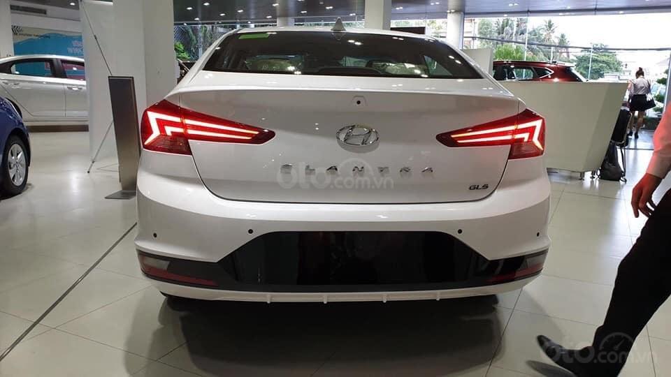 """""""""""Sốc"""" Hyundai Elantra 2019 giảm sâu, BHTV, trả góp 90%, gọi ngay 0812.587.888-4"""