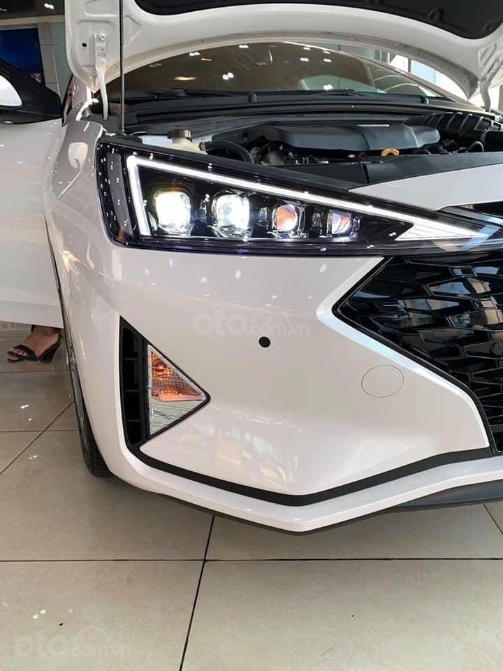 """""""""""Sốc"""" Hyundai Elantra 2019 giảm sâu, BHTV, trả góp 90%, gọi ngay 0812.587.888-5"""