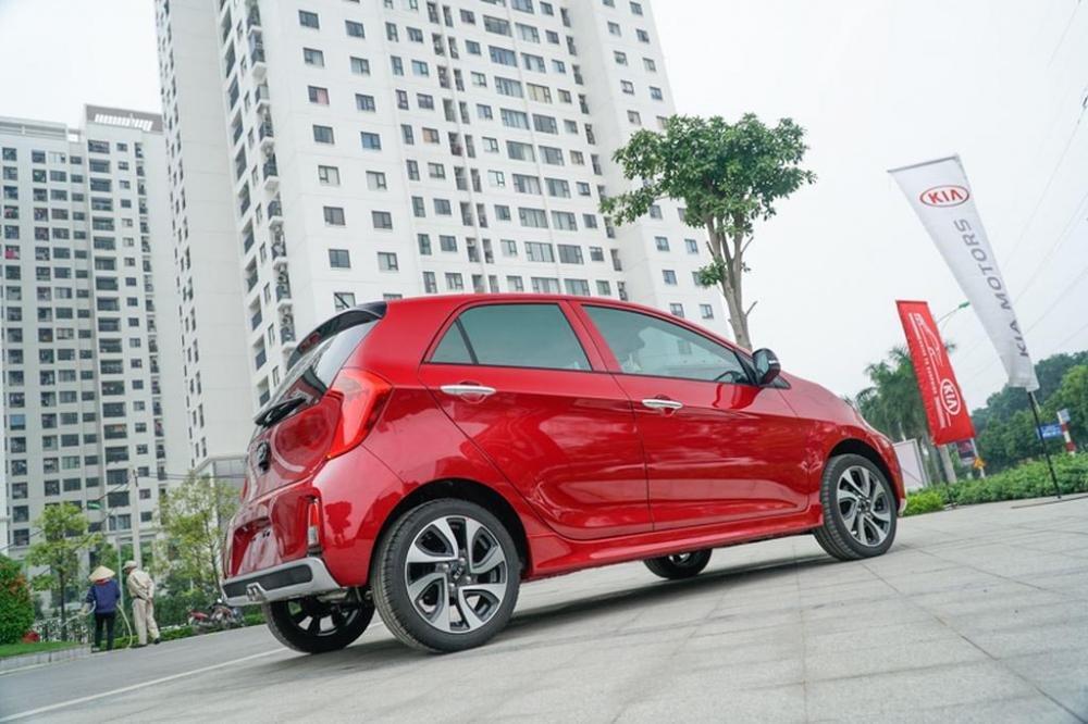 So sánh xe Honda Brio 2019 và Kia Morning 2019 về thân xe.