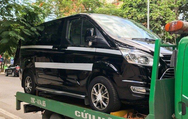 Ford Tourneo 2019 đã về đến Việt Nam, chờ ngày ra mắt a1