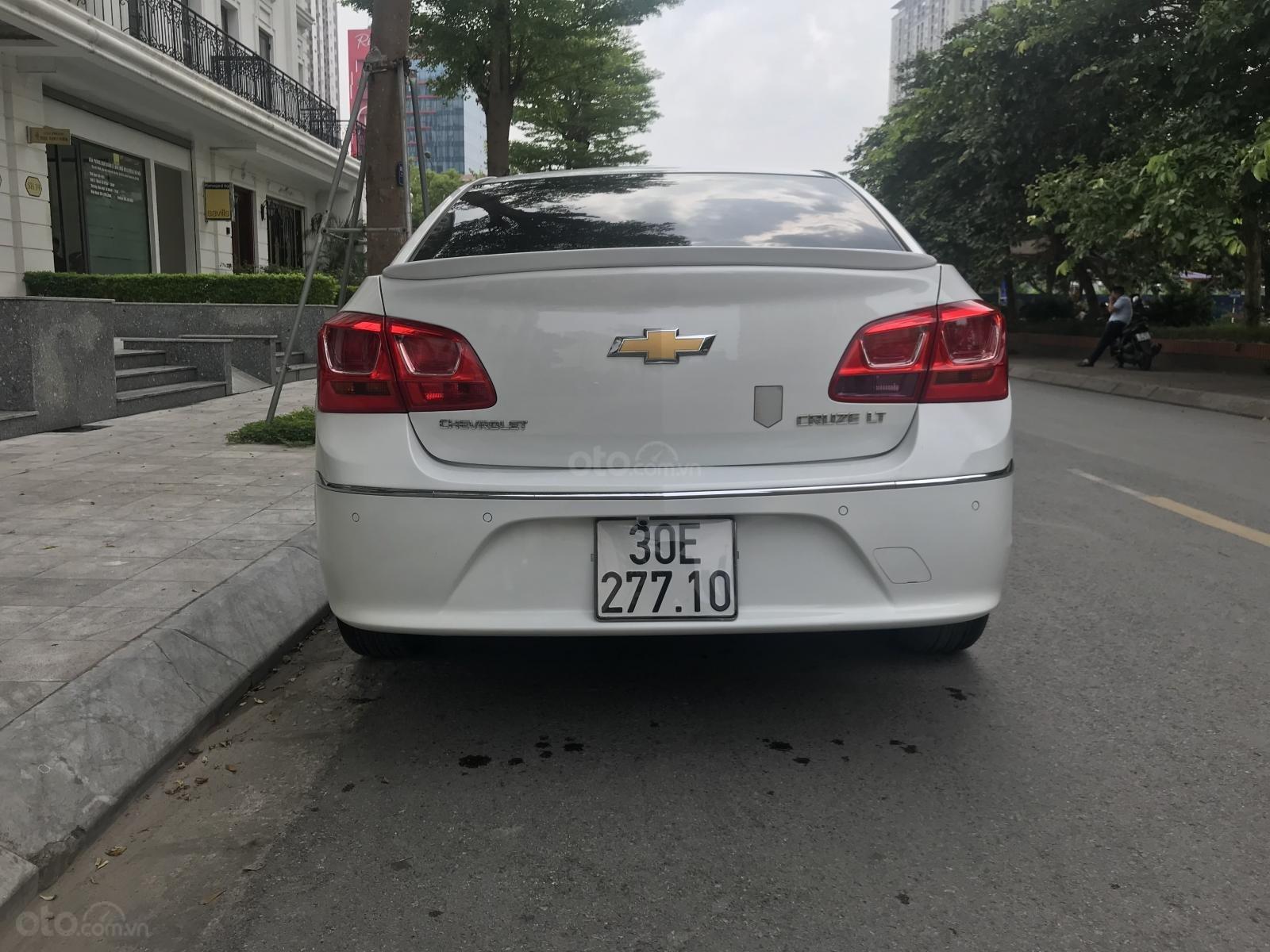 [Tín Thành Auto] Bán Chevrolet Cruze LS 1.6 số sàn, màu trắng (3)