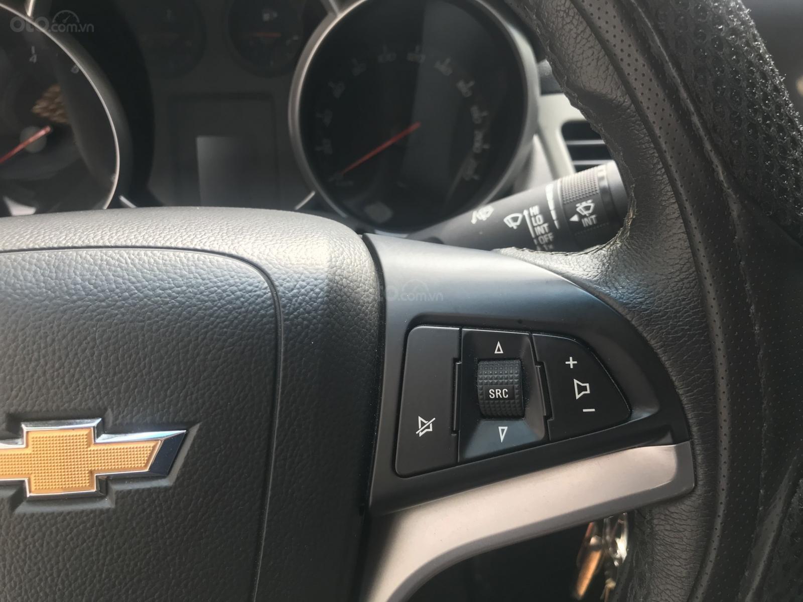 [Tín Thành Auto] Bán Chevrolet Cruze LS 1.6 số sàn, màu trắng (9)