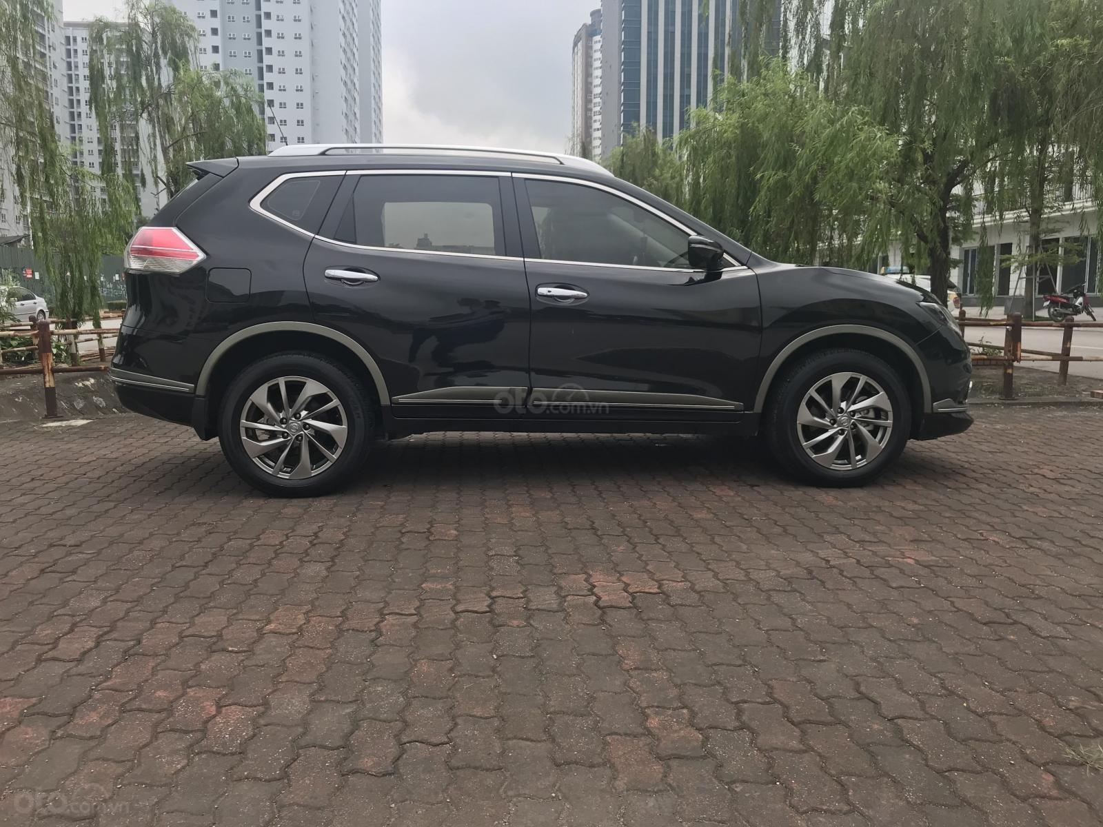 [Tín Thành Auto] bán Nissan X Trail 2.5 Premium 2017, màu đen (4)