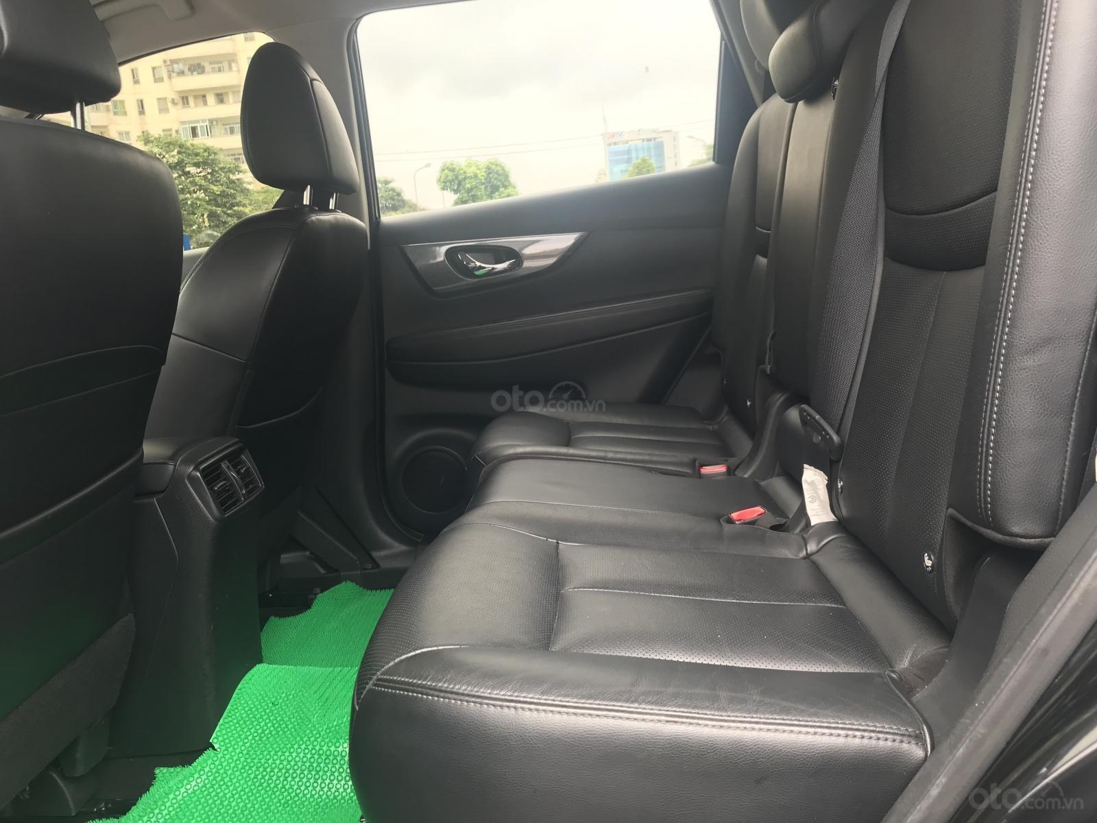 [Tín Thành Auto] bán Nissan X Trail 2.5 Premium 2017, màu đen (7)