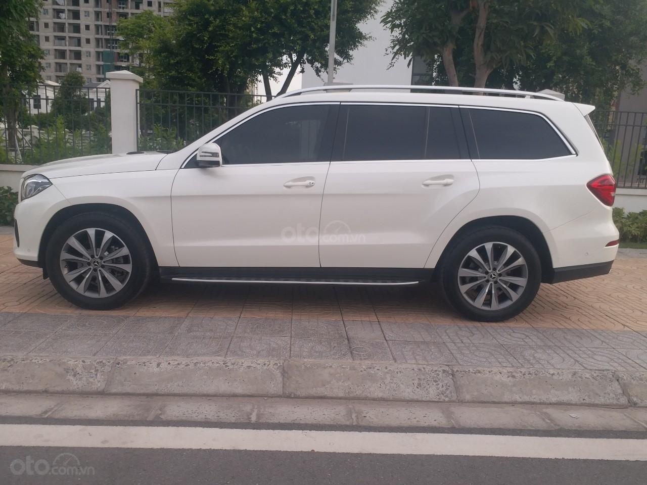Bán Mercedes GLS400 4 Matic màu trắng sản xuất 12/2017, nhập Mỹ, biển Hà Nội-1