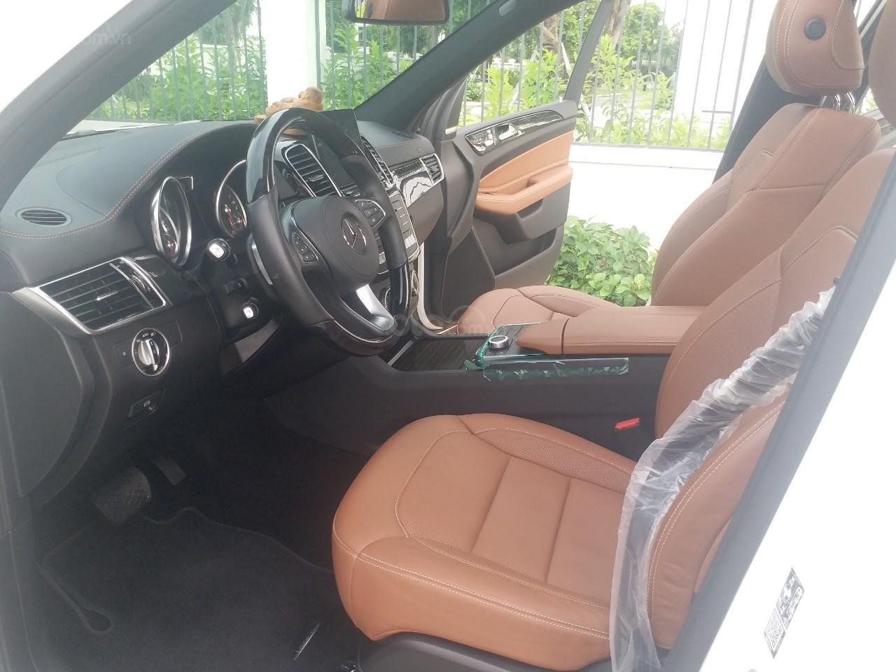 Bán Mercedes GLS400 4 Matic màu trắng sản xuất 12/2017, nhập Mỹ, biển Hà Nội-7