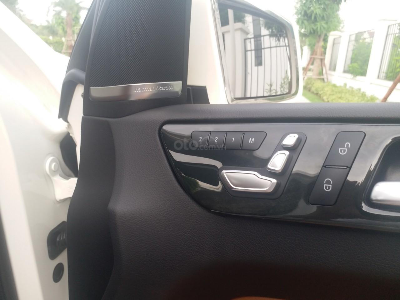 Bán Mercedes GLS400 4 Matic màu trắng sản xuất 12/2017, nhập Mỹ, biển Hà Nội-11