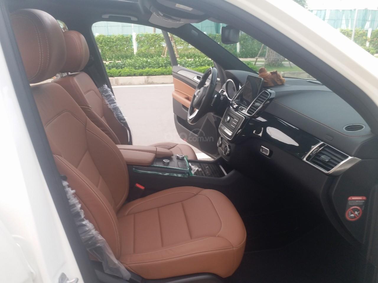 Bán Mercedes GLS400 4 Matic màu trắng sản xuất 12/2017, nhập Mỹ, biển Hà Nội-12