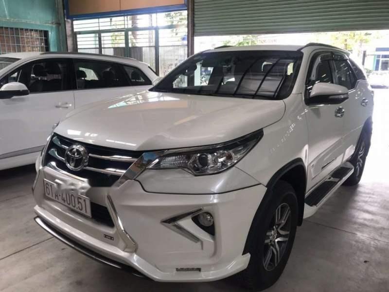 Bán Toyota Fortuner đời 2017, màu trắng, nhập khẩu nguyên chiếc-2