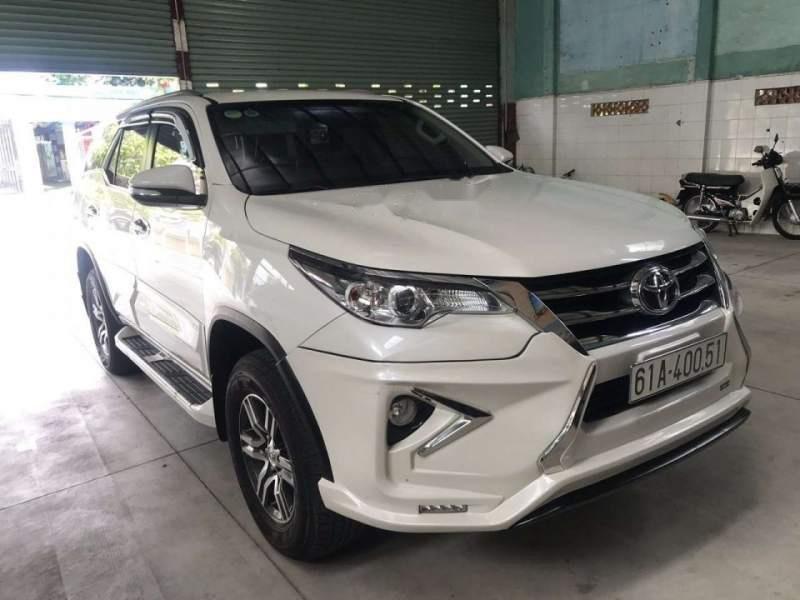 Bán Toyota Fortuner đời 2017, màu trắng, nhập khẩu nguyên chiếc-0