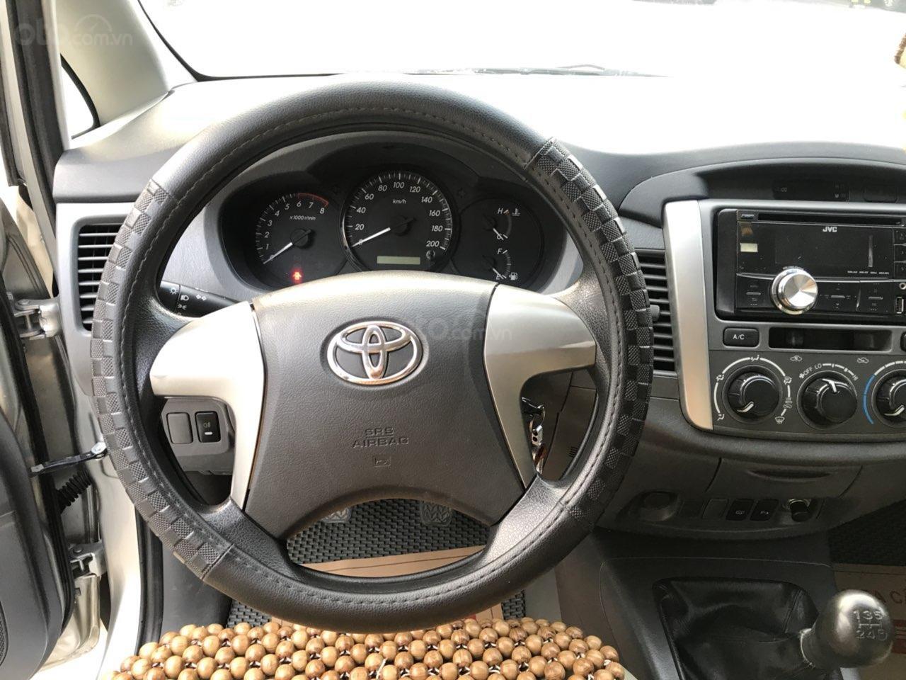 Bán ô tô Toyota Innova sản xuất 2013, màu bạc-6