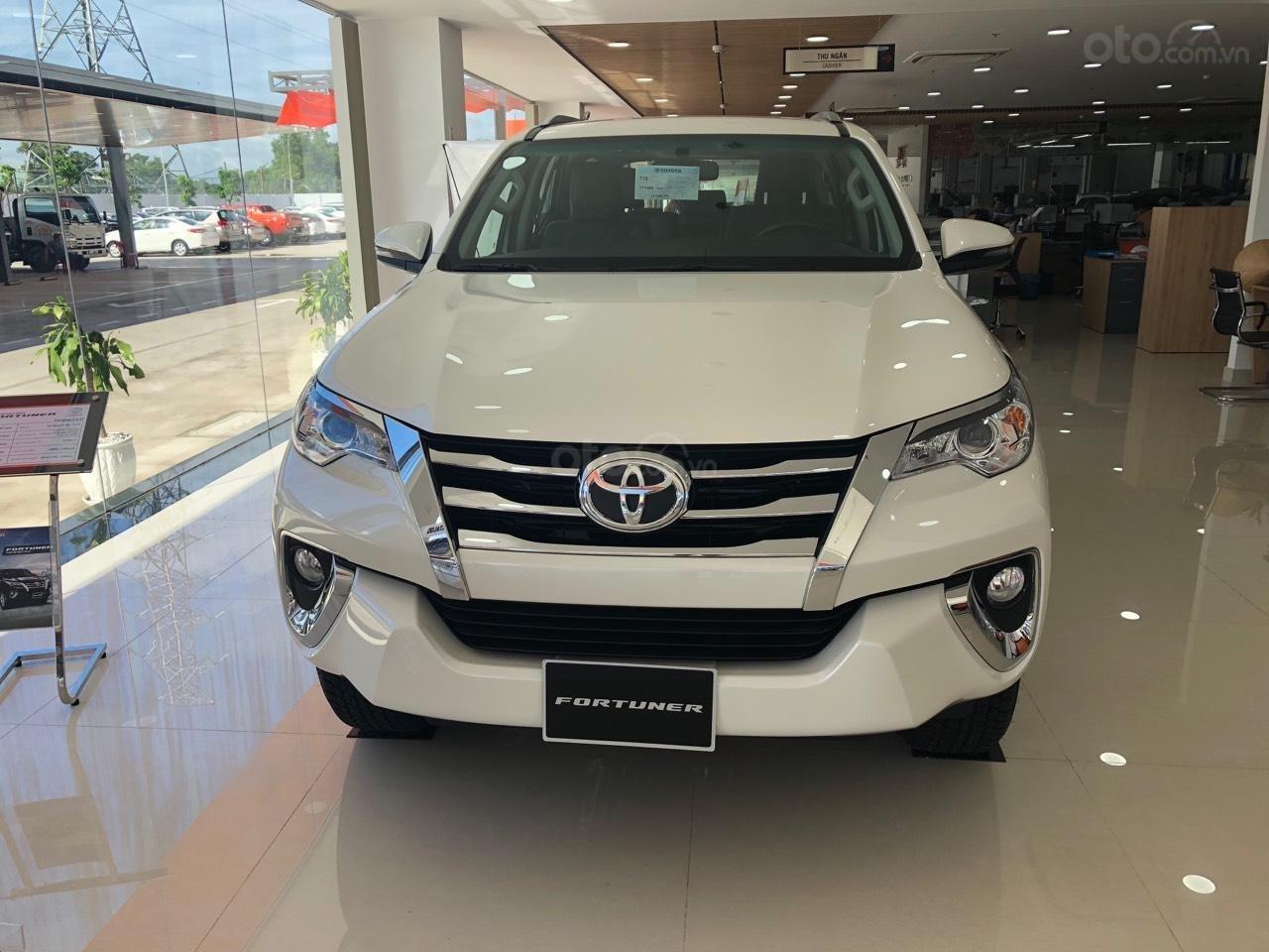 Toyota Fortuner 2.7 V, màu trắng, xe nhập khẩu - khuyến mãi tiền mặt- tặng phụ kiện (1)