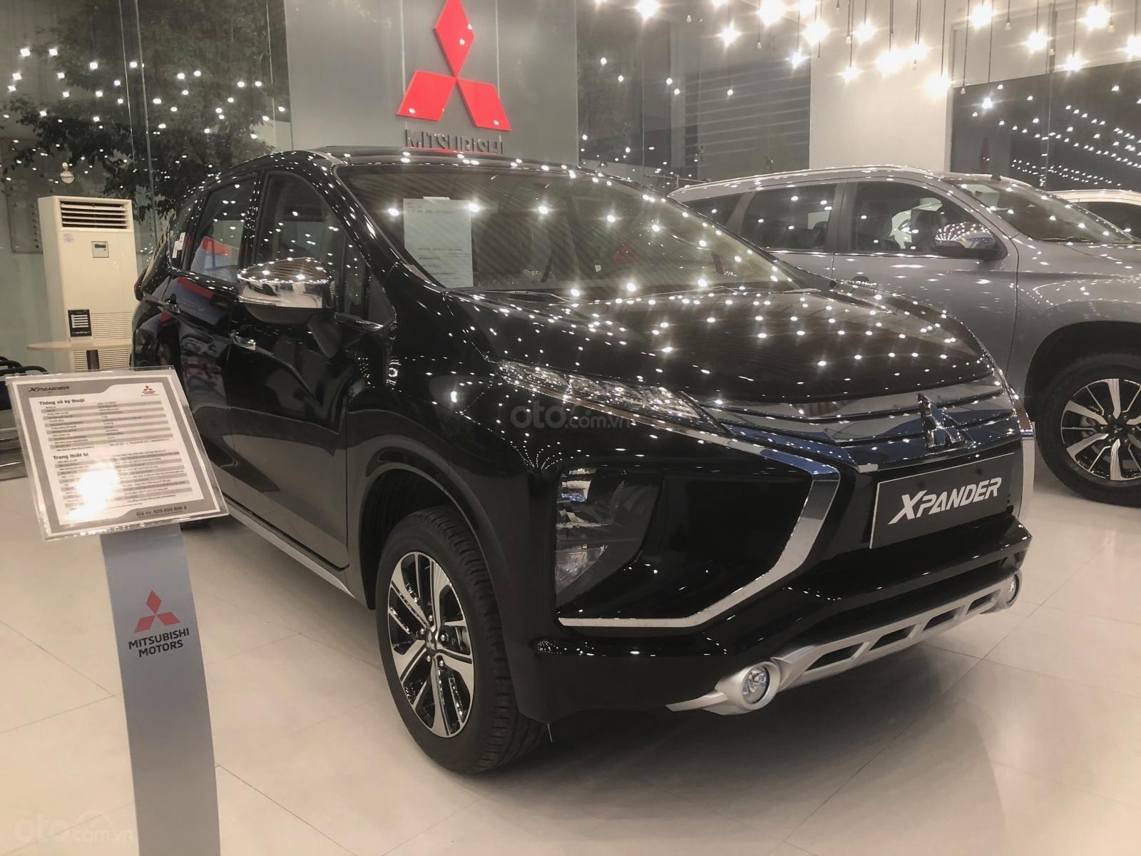 Bán Mitsubishi Xpander GLS năm sản xuất 2019, màu đen, nhập khẩu (5)
