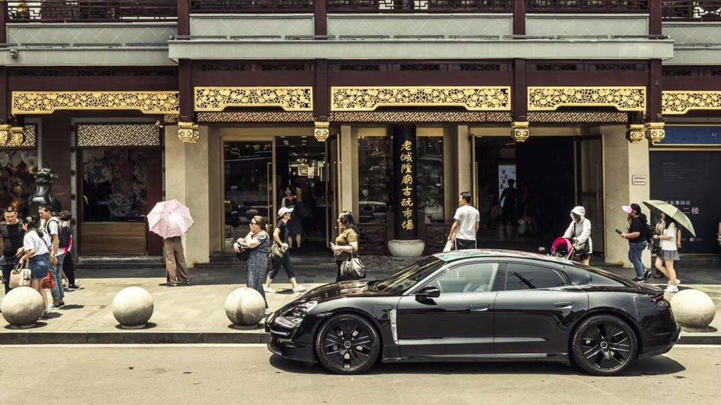 Chiêm ngưỡng Porsche Taycan thuần điện chạy thử lần cuối, rất gần ngày ra mắt 4a