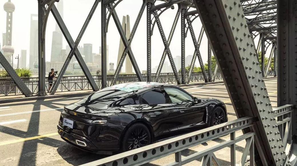 Chiêm ngưỡng Porsche Taycan thuần điện chạy thử lần cuối, rất gần ngày ra mắt 9a