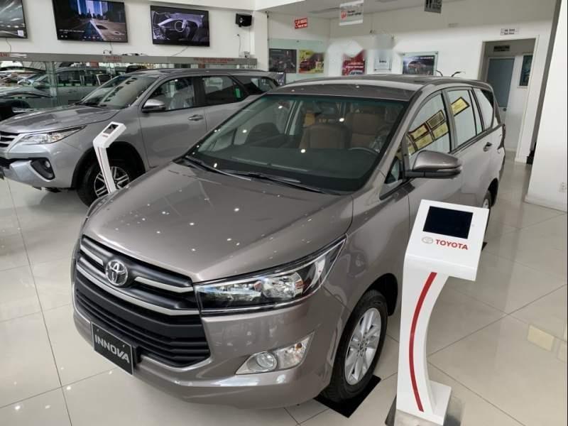 Thêm đối thủ, Toyota Innova giảm giá đến 40 triệu đồng a1