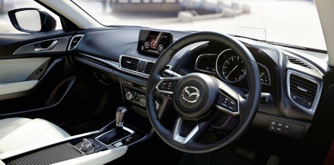 Nội thất hiện đại được trang bị cho Mazda 3 2017