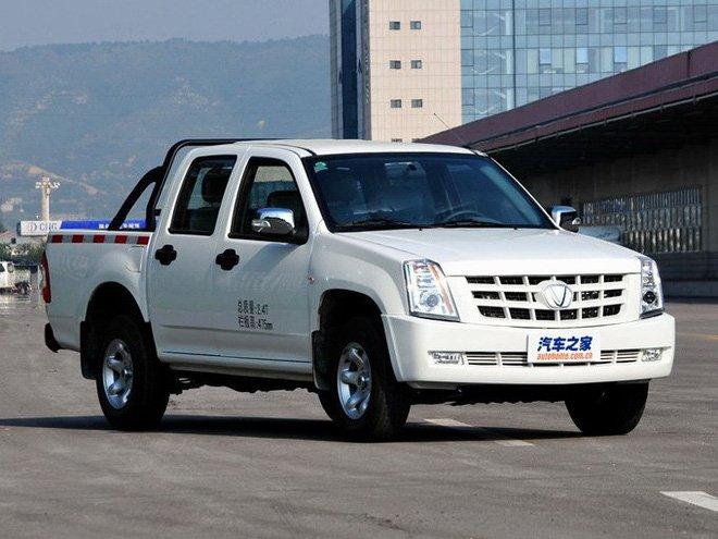 """Xuất hiện xe Tàu """"nhái"""" Cadillac Escalade lại còn gắn mác logo như VinFast, giá rẻ bất ngờ 4a"""