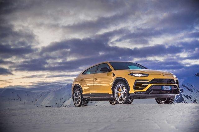Siêu SUV Lamborghini Urus là mẫu xe đắt hàng nhất của hãng xe Ý a1