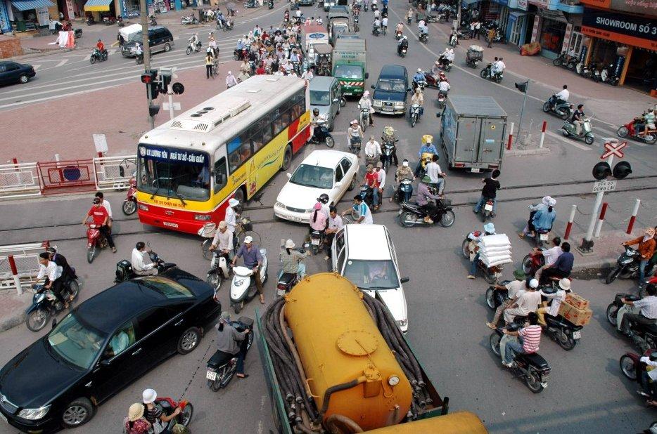 Điều khiển phương tiện xe hạng A2 tham gia giao thông phải có bằng lái.