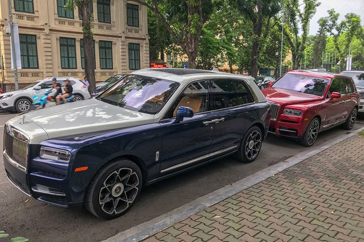Bộ đôi Rolls-Royce Cullinan gần 100 tỷ xuất hiện trên phố thủ đô gây choáng ngợp 2a