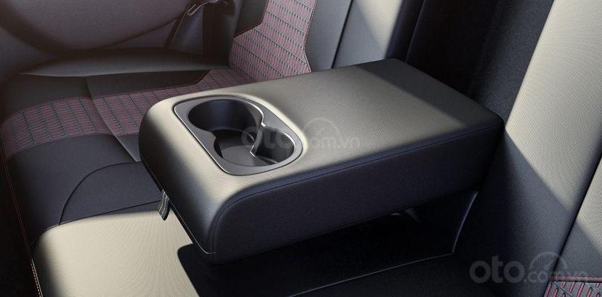 Ưu nhược điểm của Toyota Vios 2019 - Không có tay vịn kèm cốc để ly