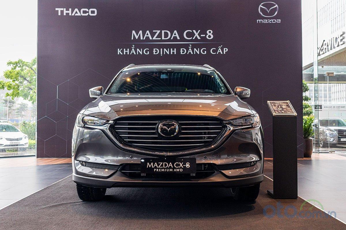 Đánh giá xe Mazda CX-8 2019 về thiết kế đầu xe.