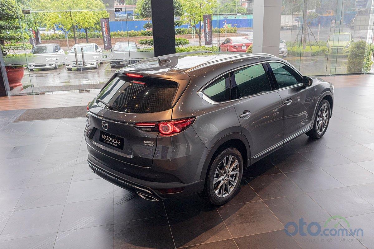 Đánh giá xe Mazda CX-8 2019 về thiết kế đuôi xe.