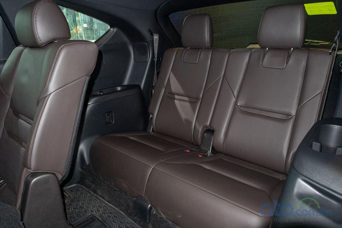 Hàng ghế thứ 3 trên Mazda CX-8 2019.