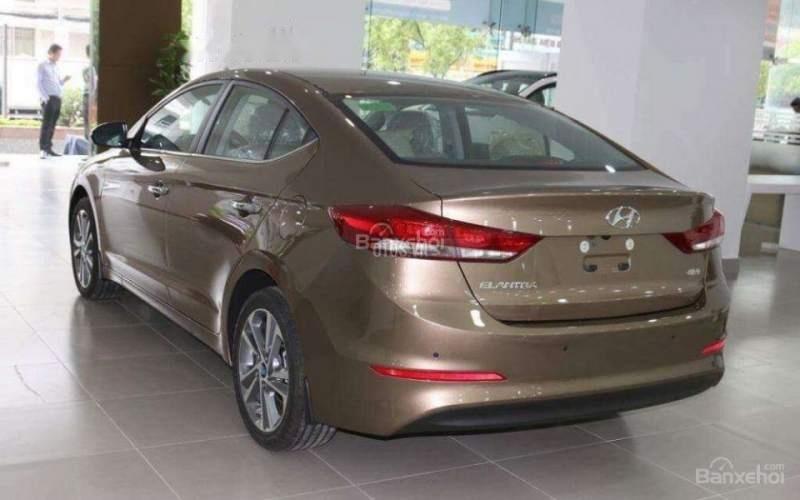 Bán Hyundai Elantra đời 2019 giá cạnh tranh (5)