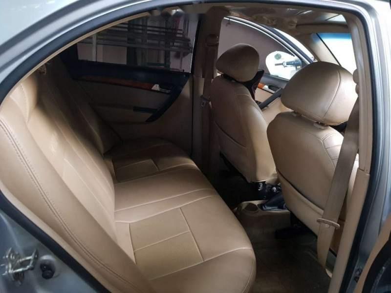 Cần bán Daewoo Gentra sản xuất năm 2009, giá chỉ 175 triệu (2)