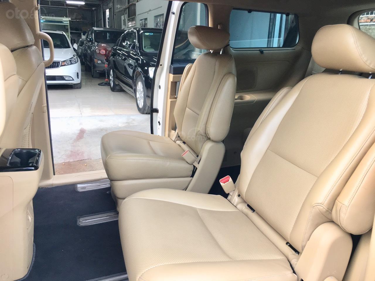 Cần bán xe Kia Sedona 2.2 DATH đời 2016, màu trắng, 890tr (7)
