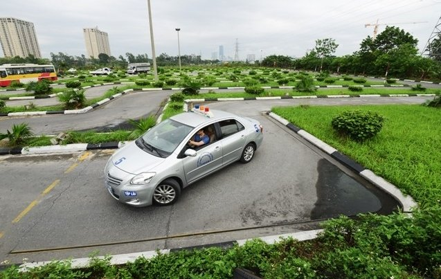 Giá học lái xe B2 tại các trung tâm đào tạo hiện nay dao động từ 3,5 - 9 triệu đồng.