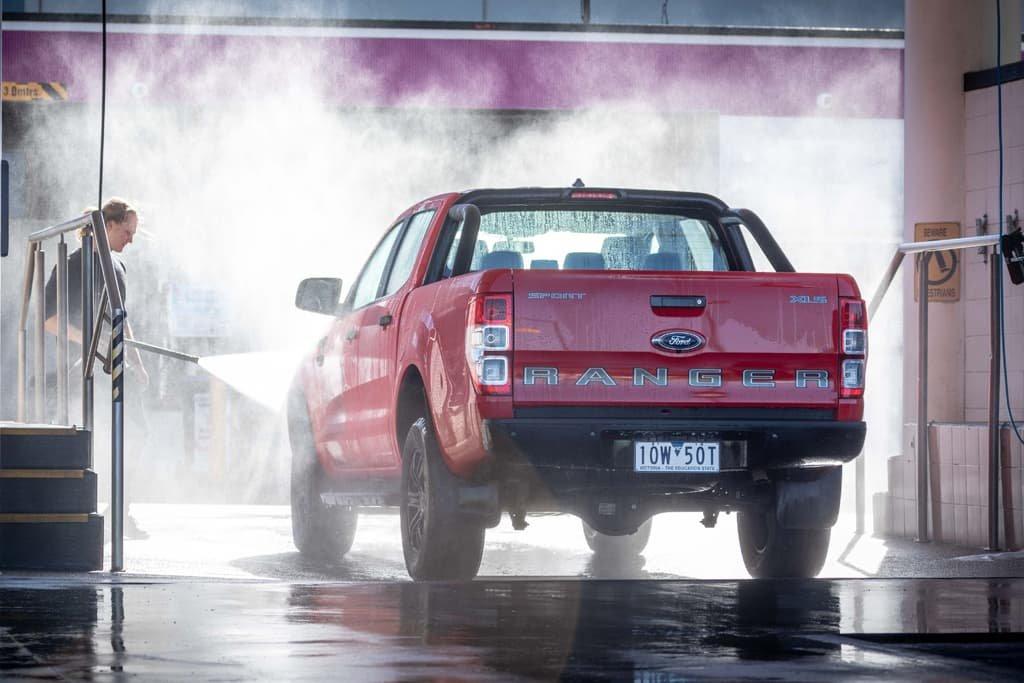 Rửa xe Ford Ranger Sport 2019